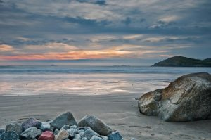 Horizon - Wales - Beach - Stones
